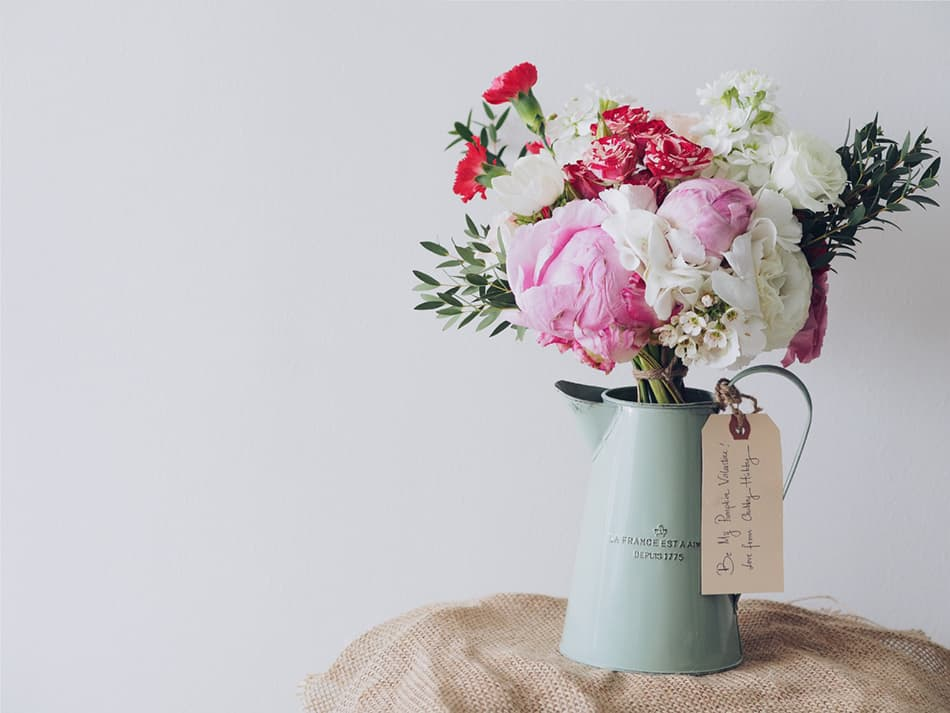 Easy Floral Arrangement for Mother's Day