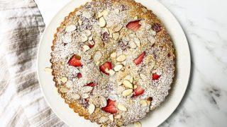 Easy Strawberry Almond Cake