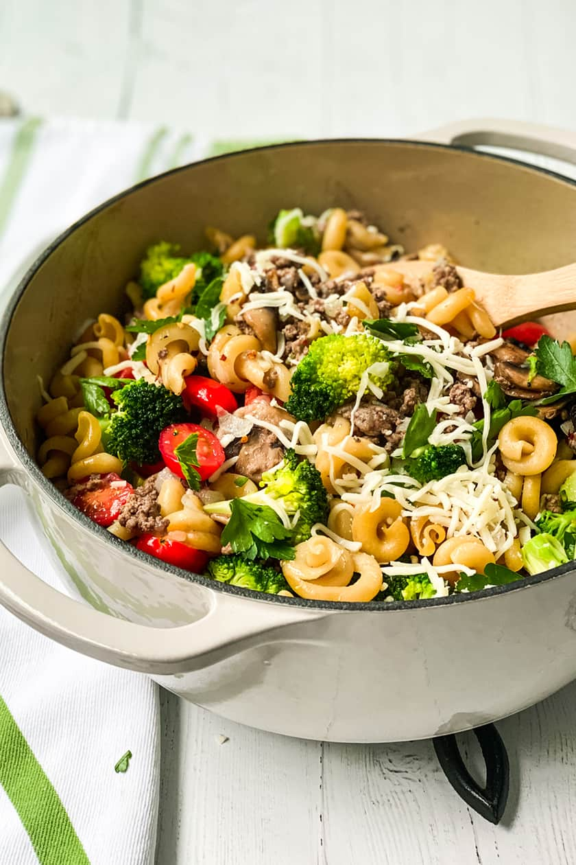 Side view of Easy One Pot Pasta with Ground Beef and Broccoli