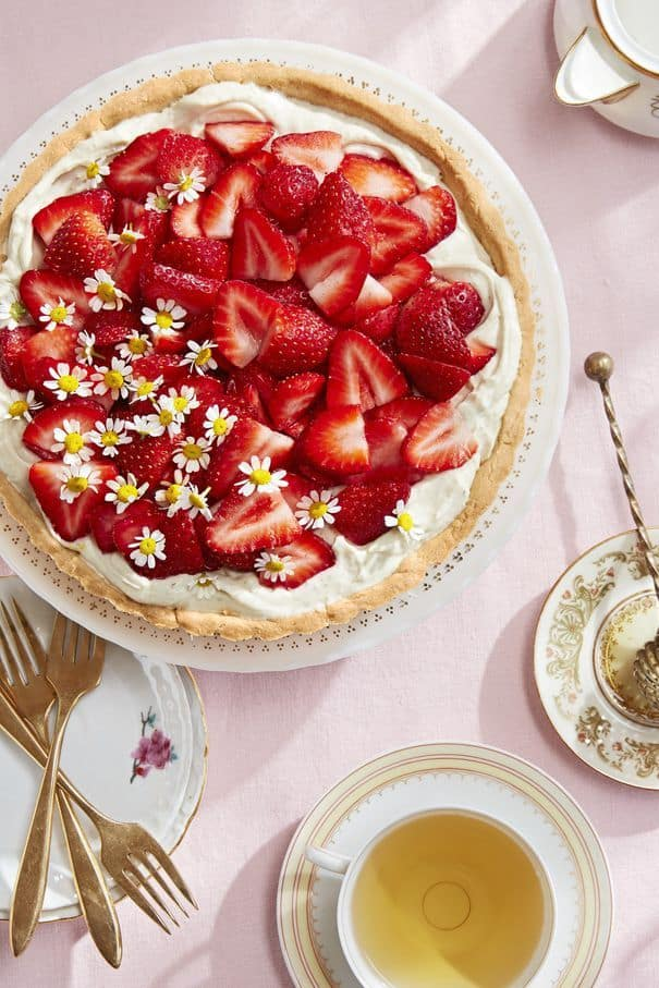 Chamomile-Mascarpone Tart With Fresh Strawberries