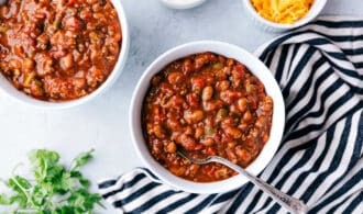 2 bowls of vegetarian chili for Amazing Chili Recipes to Make Now