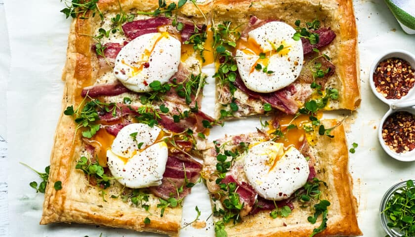 Breakfast Tart with Bacon and Eggs: Brunch Perfect