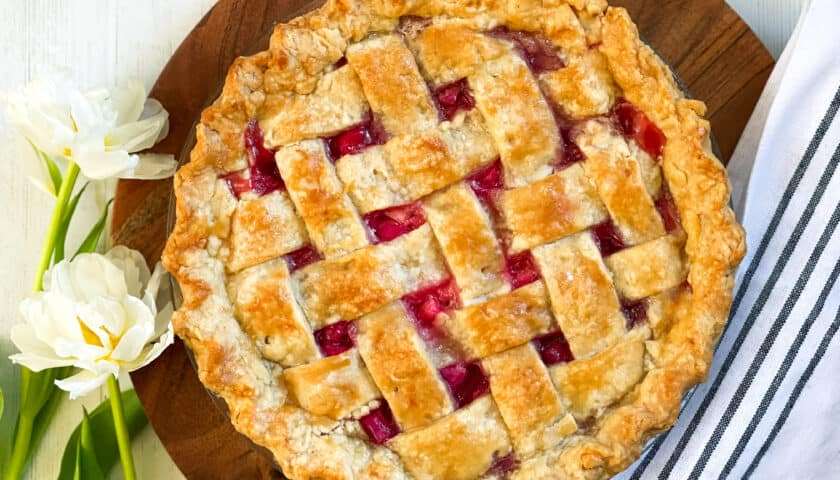 Rhubarb Pie: Welcoming Sunny Days