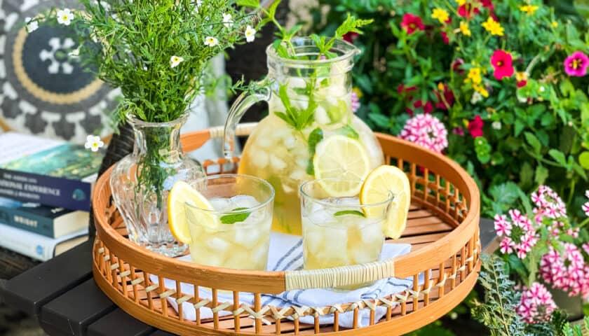 Peppermint Lemon Iced Tea: Refreshingly Summer