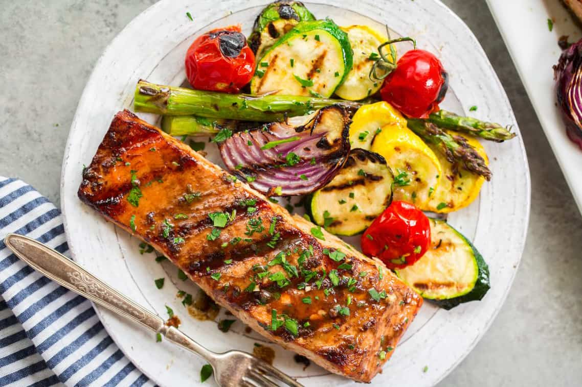 Grilled Salmon and Veggies for Summer 5 Ingredient Dinners